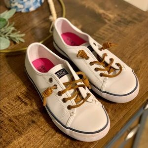 Sperry's youth size 2 white Seacoast sneakers.